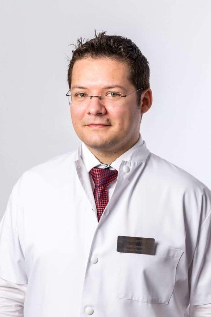 Dr. Radu Botezatu