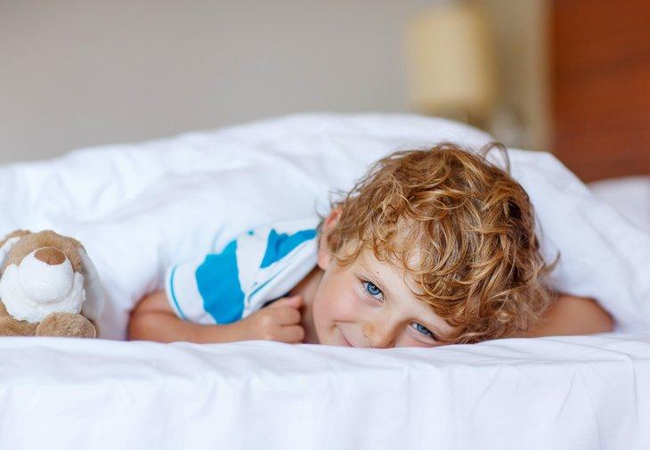 Cum il ajuti pe copil sa se trezeasca dimineata? | Superbebe.ro